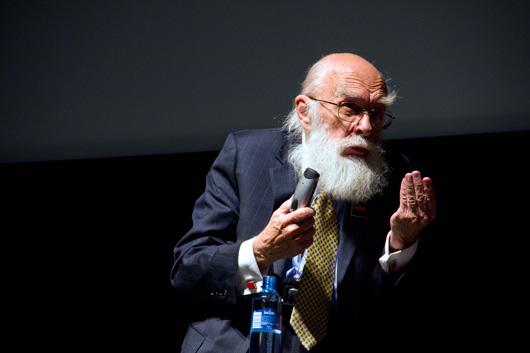 Illusjonist James Randi tryller bort norske engler